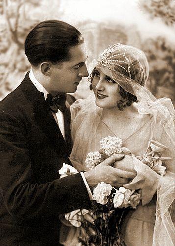 928c18f374fd53f43c7dd5b6c5fa6a94--vintage-wedding-photos-vintage-weddings